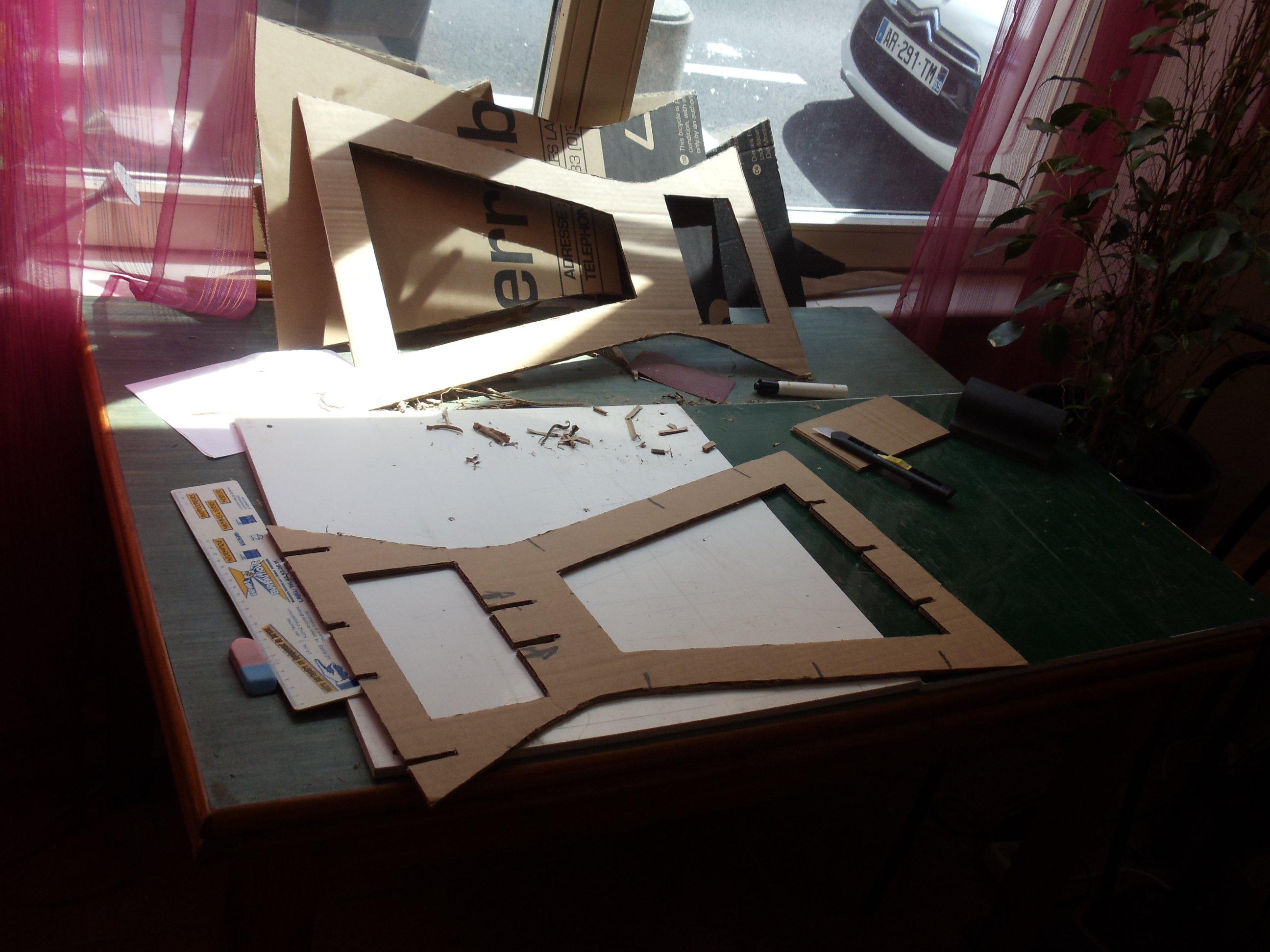 Meuble En Carton 2 Me Tape Une Table De Nuit David