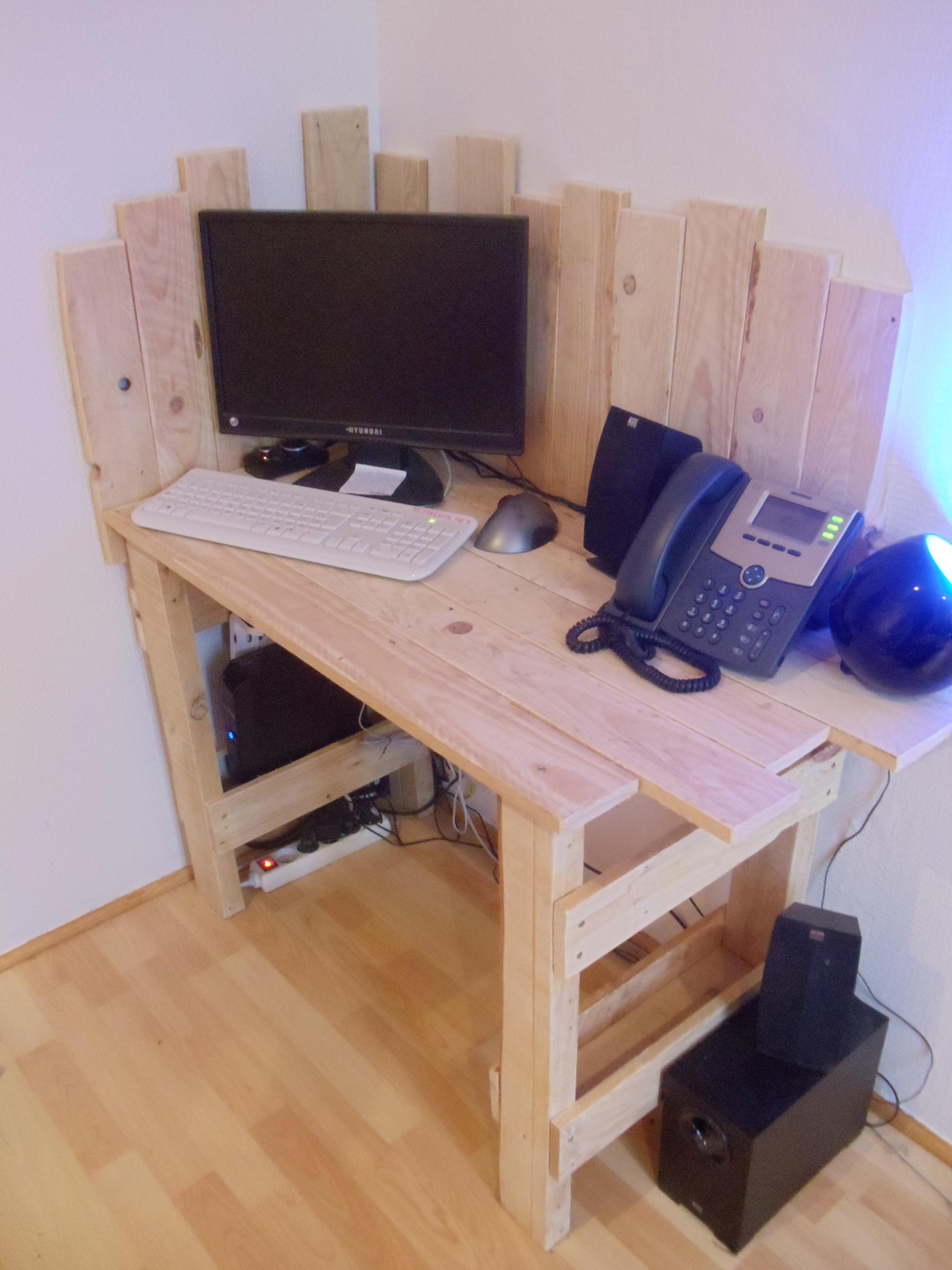 Que Faire Avec Une Petite Palette petit bureau en bois de palette : david mercereau